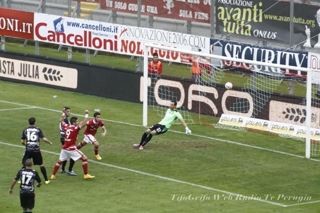 Calcio Serie B. Perugia-Ternana 2-2. Il Perugia gioca, ma sbaglia sugli episodi.