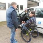 CHIANELLA: artigianato e solidarietà. Luca Panichi, lo scalatore in carrozzina, in visita nella sua officina