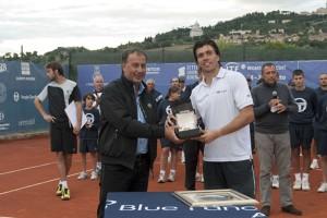 tennis atp todi marchesini premia vincitore argentino berlocq
