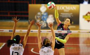 17/10/2015 Palasport Evangelisti Perugia Perugia Volley Tuum vs Abros V. Pagliare Volley Femminile Serie B1 Riproduzione vietata senza il consenso dell'autore info@settoncephotoagency.com
